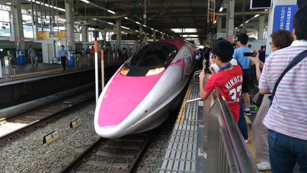 もう乗った?大人気ハローキティ新幹線を広島駅で見てきました!