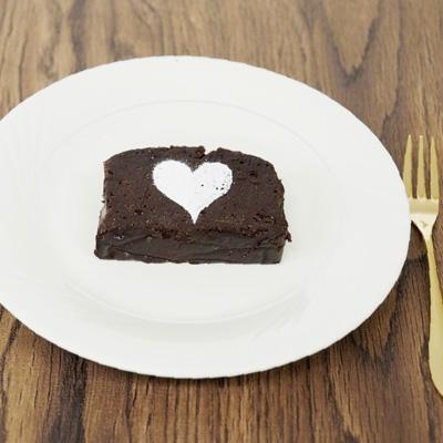 チョコテリーヌにシュガーパウダーをかけてもよし!